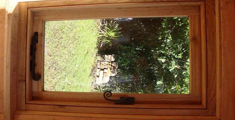 Hand Crafted Oak Wood Window Cottage In Hatherleigh Devon
